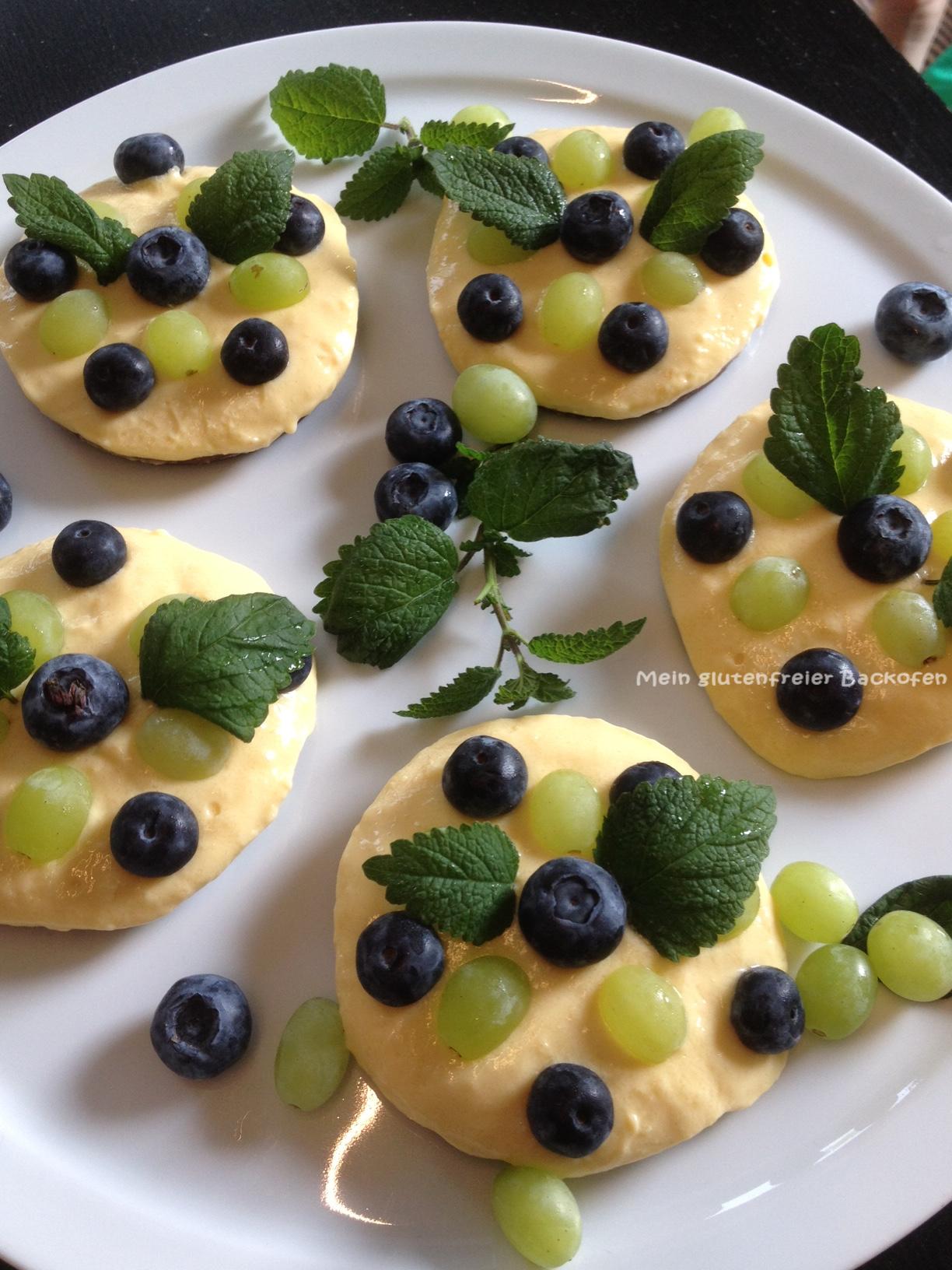 glutenfreie vegane Mangotörtchen mit Lupinenjogurt