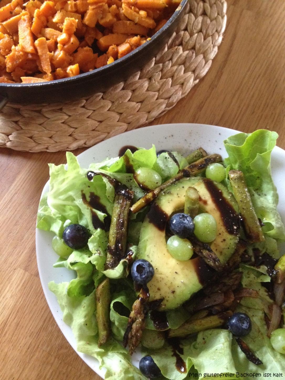 Salat mit Blaubeeren