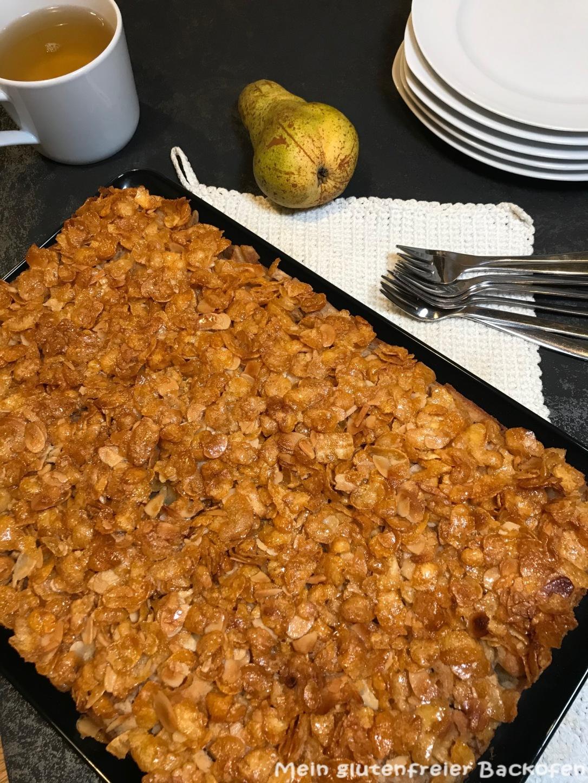 Birnenkuchen mit Cornflakeskruste
