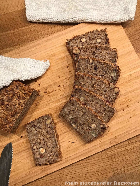 Körner-Nüsse-Flocken-Brot6